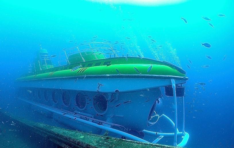 Submarine_Tenerife_south